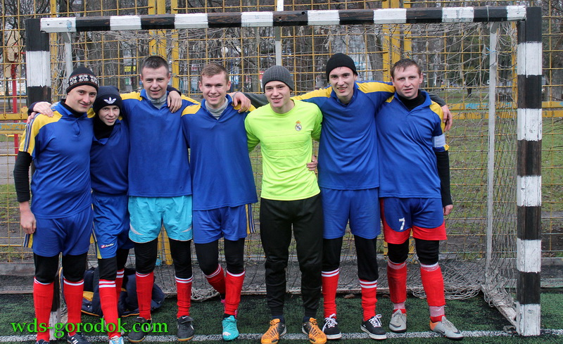 Football 2015 12 12 16